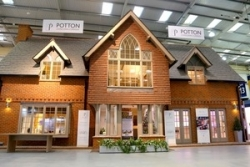 Leading aluminium specialist sees products chosen for exhibition centre