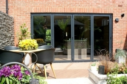 Dekko brings Bi-Folds to Banbury for ITV's Love Your Home and Garden