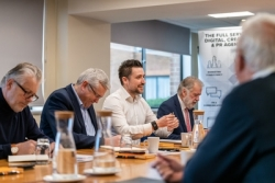 Glass industry leaders discuss how to add more value at 'Purplex Debate'
