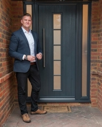 You're hired! Apprentice winner chooses Solidor