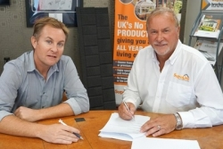 SupaLite to celebrate new five-year tile supply agreement
